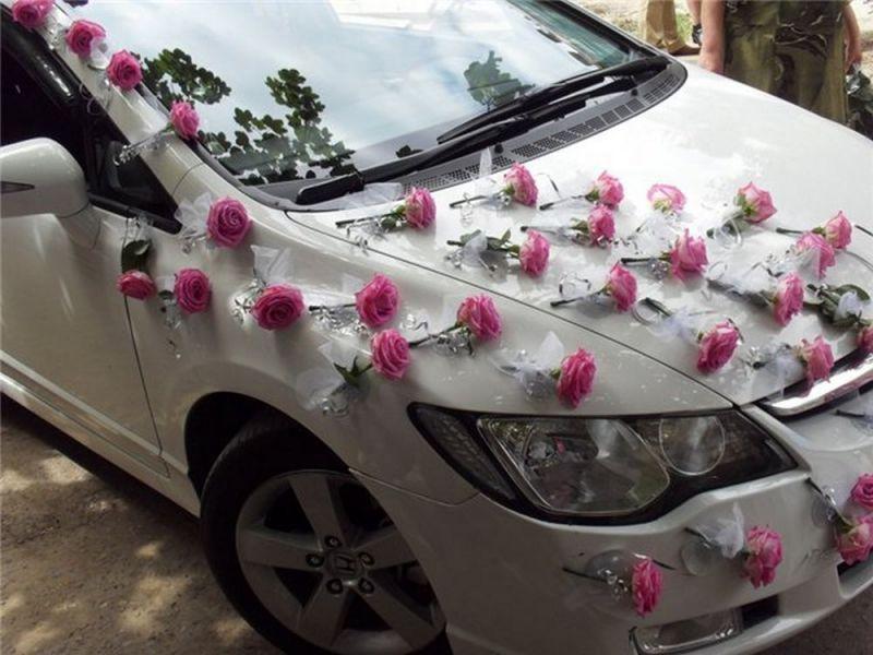 Как украсить свадебную машины